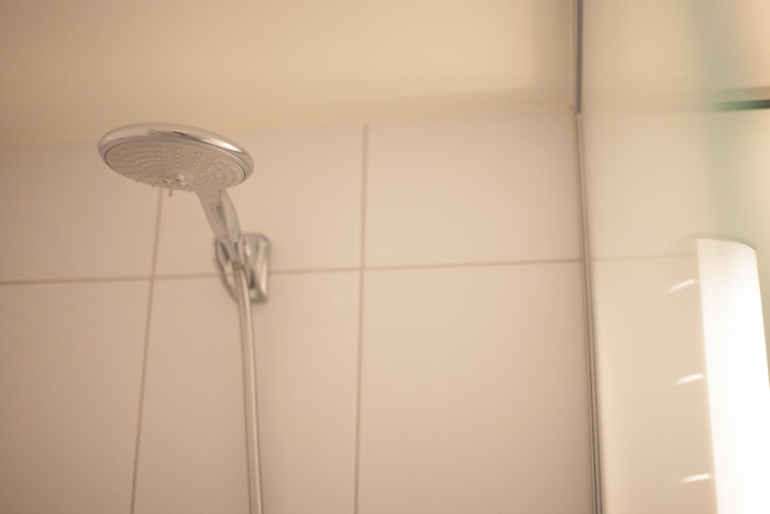 浴びろ!! 浴びるんだ!! ひたすらシャワー