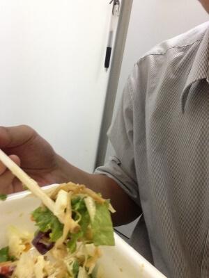 シザサラペヤングを食べる
