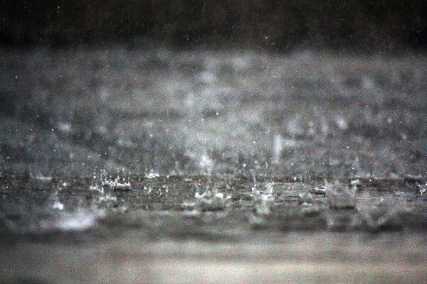 チャットレディは「雨の日」が稼げるポイントだと思った理由