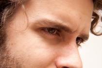 彼氏の嫉妬がウザい…やきもちの心理と対応方法