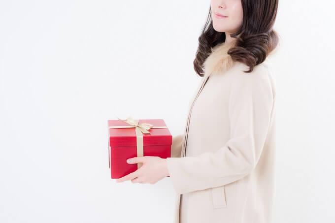 何がいい? 意中の男子を落とすクリスマスプレゼント考察